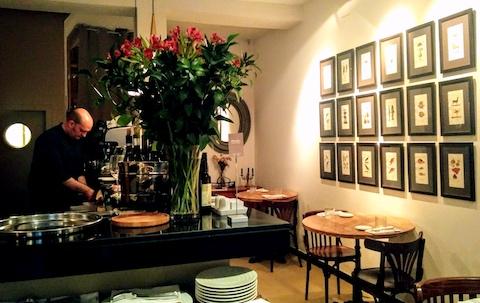 Vinoteca moratin restaurante madrid spanish wine lover for Direccion madrid espana